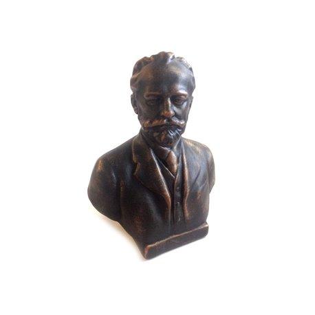 Бюст Чайковского (ср.)